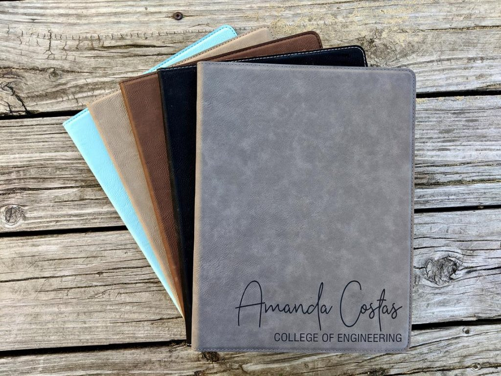 Personalized Portfolio With Notepad