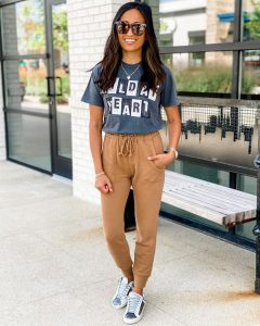 Graphic Tee-Shirt with Joggers